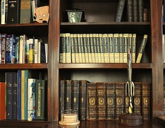 Neil Gaiman's Bookshelves