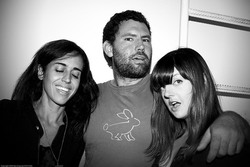 Unidentified Woman + Shawn Lions + Katie Boyd, ARTCADE, Rabbit Hole Studio + Brooklyn Art Project, DUMBO / 20090910.10D.53520.BW / SML (by See-ming Lee 李思明 SML)
