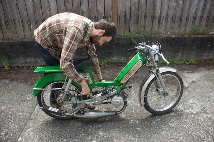 Devin's new moped. Peugeot.