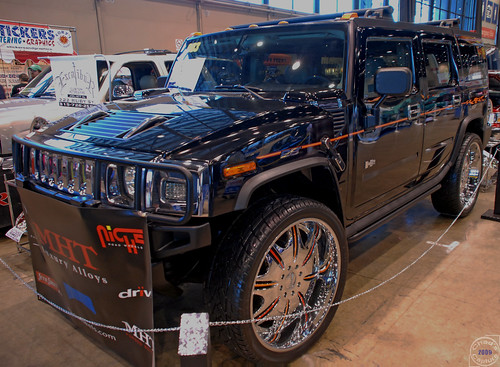 hummer on 28 inch rims