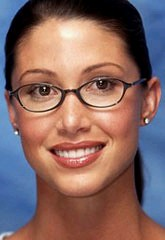 Shannon Elizabeth wearing glasses (GwG Fan) Tags: elizabeth shannon girlswithglasses earstuds girlswearingglasses actresswearingglasses shannonelizabethwearingglasses