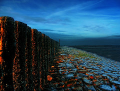 Cadzand_PICT2505 (jobcibi) Tags: blue light sea sky holland minolta nederland thenetherlands explore northsea blau g tenger cadzand fny otw kk dimagea200 abigfave theunforgettablepictures goldstaraward rubyphotographer mbpictures