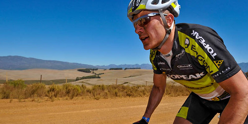 090322_RSA_CapeEpic_stage1_nicke_dirtroad_close_1