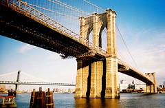 brooklyn bridge (ho_hokus) Tags: nyc newyorkcity analog america unitedstates brooklynbridge manhattanbridge eastriver analogue 2009 vivitarultrawideslim 35mmfilmcamera