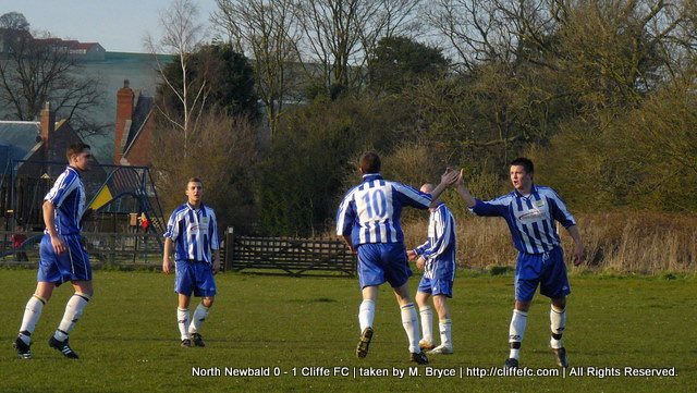 Cliffe FC vs North Newald 31Mar09