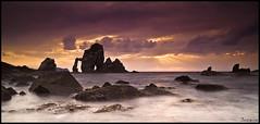 1086 (San Juan de Gaztelugatxe) (Joserra Irusta) Tags: sunset sun sol clouds atardecer nikon shorelines nubes acantilados marcantabrico sanjuandegaztelugatxe cantabricsea joserrairusta d700 tamrom1735