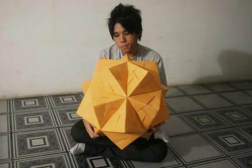 90-Unit Sonobe Ball Assembly | Origami, Origami cube, Origami design | 332x499