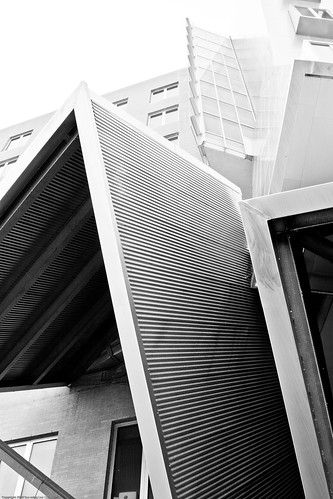 Stata Center, MIT / 20090801.10D.50881.BW / SML (by See-ming Lee 李思明 SML)