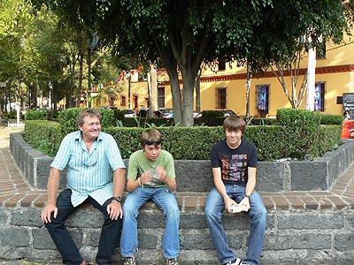 les trois garçons à Santa catarino.jpg