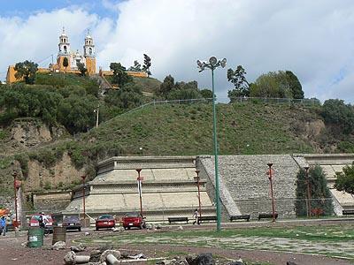 pyramide de Cholula.jpg