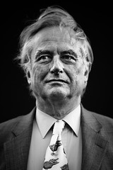Richard Dawkins (TGKW) Tags: portrait people blackandwhite man public festival hair book edinburgh university tie windy blowing science richard oxford professor understanding scientist dawkins atheist 1678 zoologist crocoduck