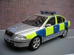 1:24 Code 3 Skoda Octavia PSNI Police Traffic Car (alan215067code3models) Tags: party 3 car out leaving evening code traffic police parade falling 124 gift present retierment skoda octavia psni