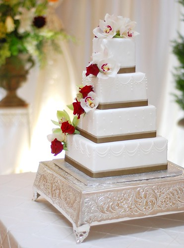 Daniela & Marino Wedding cake - adorned