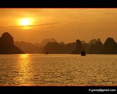 Vietnam - Halong Bay 2675b (Hatuey Photographies) Tags: vietnam ringexcellence hatueyphotographies ©hatueyphotographies