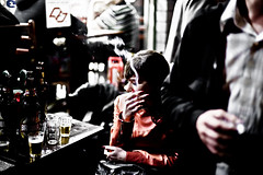 (leo.eloy) Tags: 2011 jlia amigos bar beer bohemia boteco cerveja cigarrete cigarro digital friends fumante ghassan girl juventude lapa leoeloy lifestyle mulher photography rua senac smoke street urban urbano woman youth
