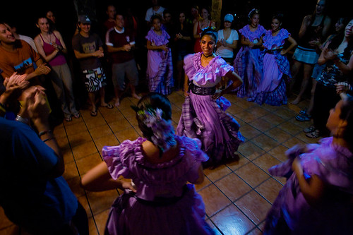 girls dance in costa rica