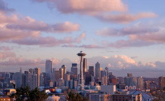 Sunset Approaching Seattle Downtown (Cynthia.Lou) Tags: seattle city sunset skyline clouds queenanne spaceneedle kerrypark washingtonstate canoneos5d overtheexcellence cynthialou
