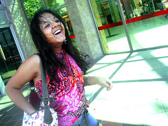(valespince) Tags: summer woman sun girl smile smiling fashion female dark hair cafe mujer long day waves chica natural young tan curls sunny curly trendy laugh shorts sonrisa brunette rizos largo risa castao pelo ondas crespo morena tanned joven oscuro pareo riendo rulos bronceado polera pinktshirt darkskin summerclothes ondulado tannedgirl ropadeverano printclothes modadeverano deninshorts