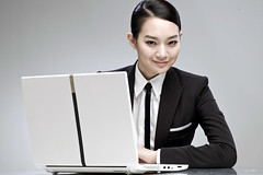 [フリー画像] [人物写真] [女性ポートレイト] [アジア女性] [パソコン/PC] [ビジネスマン] [LG]     [フリー素材]