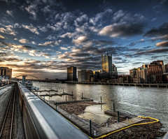 Pittsburgh Sunset (Noah LVE JY) Tags: noah train canon eos pittsburgh 2009 hdr lovejoy 30d platinumphoto