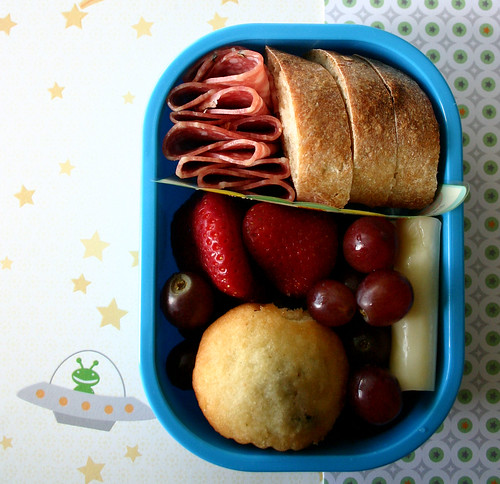 Preschool Bento #145: February 24, 2009
