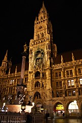 Munich City Hall (Hylda_H) Tags: city travel urban tower heritage history beauty architecture night germany munich outdoors photography europe flickr fotografie nightscape cityhall landmark munchen neogothic altstadt soe glockenspiel duitsland beautyisintheeyeofthebeholder hyldah