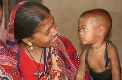 That look (martien van asseldonk) Tags: woman child bangladesh manda adivasi earthasia martienvanasseldonk