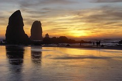 Cannon Beach Sunset - Rocks & Wet Sand (Pat's Pics36) Tags: sunset oregoncoast cannonbeach breathtaking sonydscf707 potofgold haystackrocks breathtakinggoldaward breathtakinghalloffame