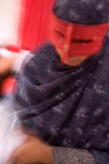 Hormozgan, Bandar Abbas (~- David at Djupavik-~) Tags: voyage portrait david canon photography persian women photographie gulf iran hijab masks niqab burqa persiangulf qeshm bandarabbas laft hormoz hormozgan eos5d queshm maskedwomen persianwomen minab persianwoman ormuz documentaryportrait golfepersique photosiran detroitdormuz bougnaud davidbougnaud
