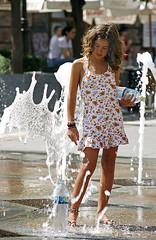 Aguadora (AColaso) Tags: españa angel canon andalucía agua verano córdoba calor robado 400d aguadora acolaso colaso