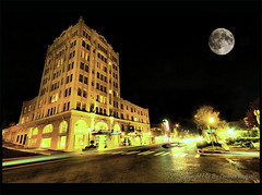 Ashland Springs Hotel by Night (Lorenzo Pasqualis) Tags: longexposure moon building night hotel springs historical ashland hdr oregone lorenzopasqualis