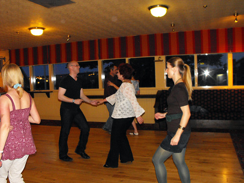 salsa classes at the Holburn Bar with Gavin Reid taking the class