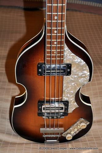 1967 Hofner Beatle Bass - Front