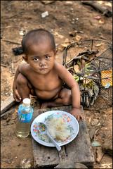 Kompong Phluk  (Alessandro Vannucci) Tags: poverty kid asia cambodia forsakenpeople siemreap hdr cambogia kompongphluk iannacell