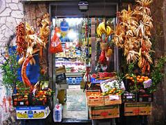 Napoli (Italy) - Shop in Centro Storico (Danielzolli) Tags: italien italy italia campania napoli naples italie neapel wochy napule kampanien italija nabule campaniafelix taliansko taljansko nnabule