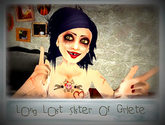 Griete I found your long lost (Delilahlee whispers she was in prison) sister (delilahlee) Tags: funny secondlife omg junkie crackhead tweeker miasnowhud pudgehair