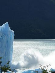 A penas lo que se ve (Sopa de Jazmin) Tags: patagonia santacruz argentina agua gaby sur peritomoreno glaciar hielo bloque caida parquenacionallosglaciares sopita sopadejazmin