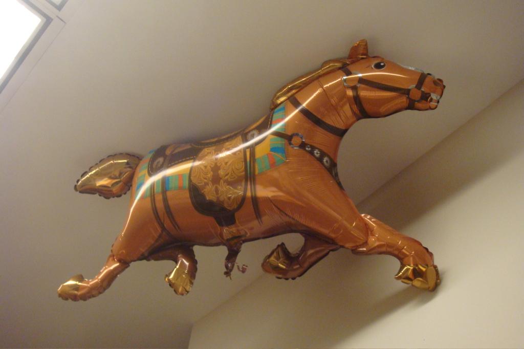 horseballoon
