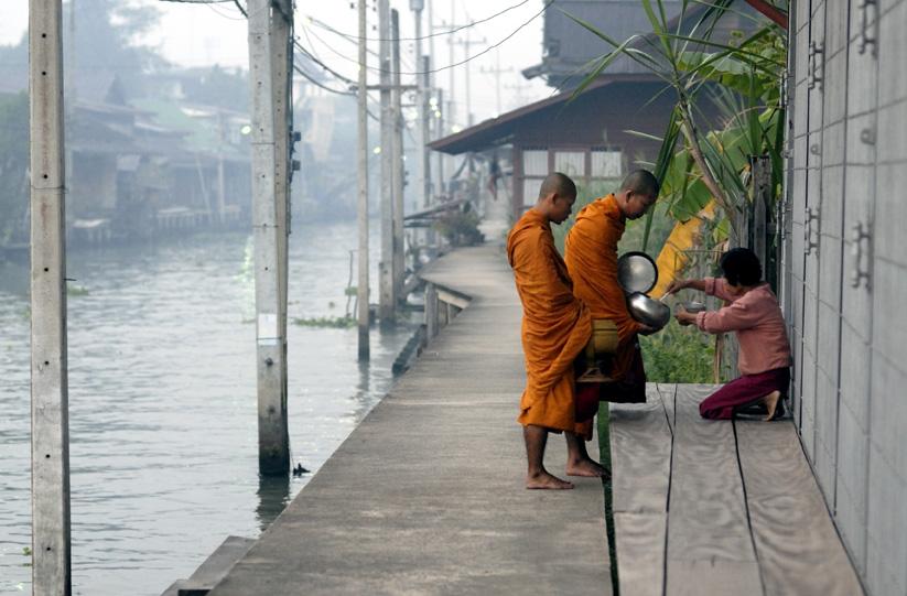 Damnoen calugarii budisti (c) Voicu Bojan