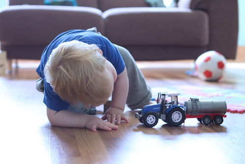 Playing with Tractor (5)b