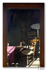 Ta kahve (_Burcu_) Tags: light shadow reflection building turkey mirror cafe nikon chairs trkiye d200 coffeehouse kahve sandalye glge ayna turkei k yap ayvalk takahve cundaadas