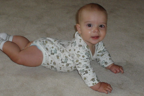 Fwd: Ari is practicing his crawling