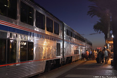 Sunset Diner (El Roco Photography) Tags: california railroad sunset santafe station night train canon diesel rail trains socal amtrak transportation locomotive orangecounty ge fullerton glint railroads pacificsurfliner passengertrain southwestchief emd superliner atsf burlingtonnorthernsantafe fullertoncalifornia alltrains amtrakcalifornia bnsfrailroad burlingtonnorthernsantaferailroad top22rrpix ph42