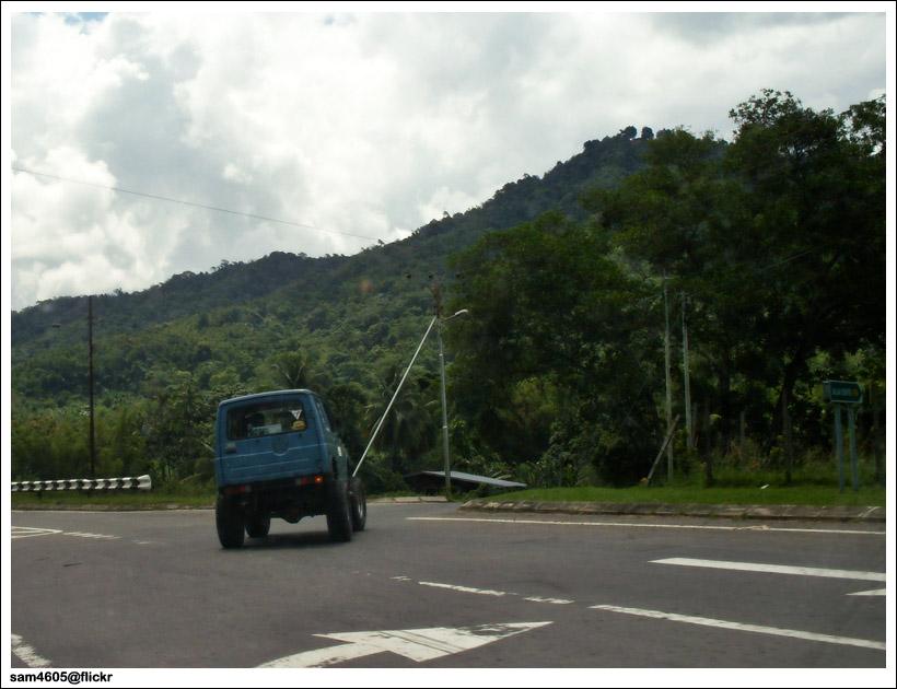 Big Tyre Suzuki Jimny SJ410 4x4 Cornering