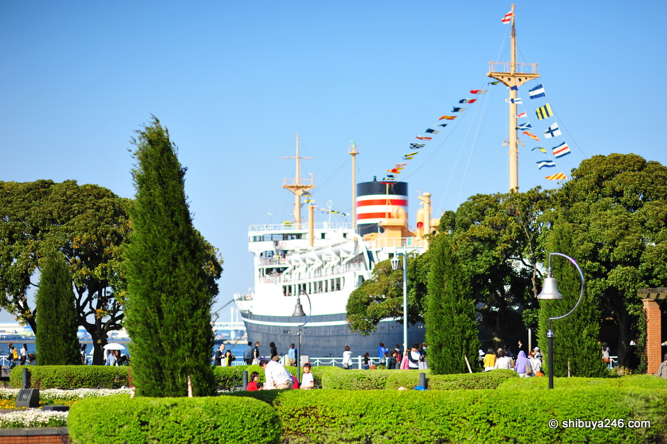 Yamashita Koen and the well known Hikawa Maru in the background. Beautiful day out.
