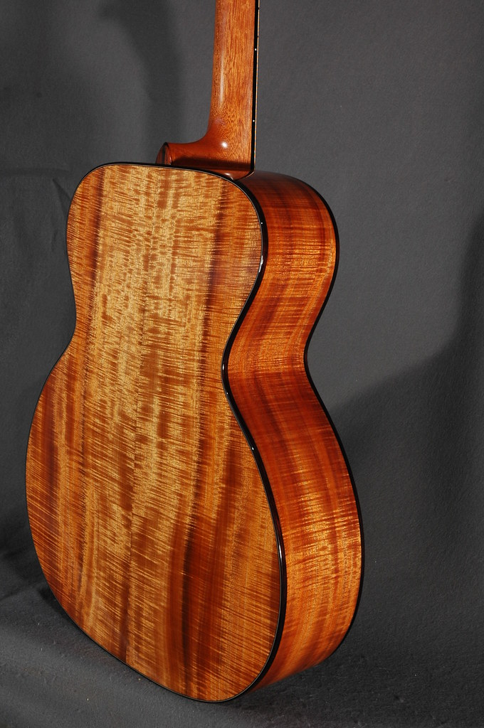 Curran Guitars. Luthier Interview