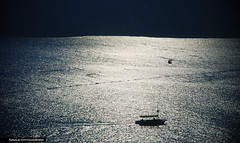 Senza Fine... (Illusiontom) Tags: blue sea panorama sun turkey landscape nikon barca mare sailing ship blu tommaso explore reflect sail nikkor sole vacanza controluce backlighting riflesso 1870 turchia senzafine ginopaoli d80 naviga lubrano illusiontom