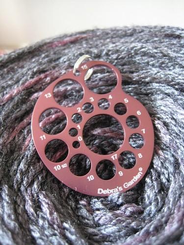 Nautilus Knitting Needle Gauge