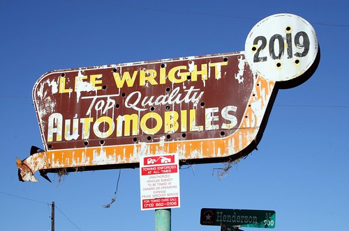 lee wright top quality automobiles neon sign