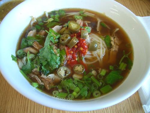 Sapp duck noodle soup